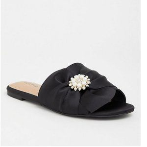 Torrid black satin faux pearl sandals size 6.5W